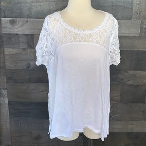 Like New DKNY Jeans White Top